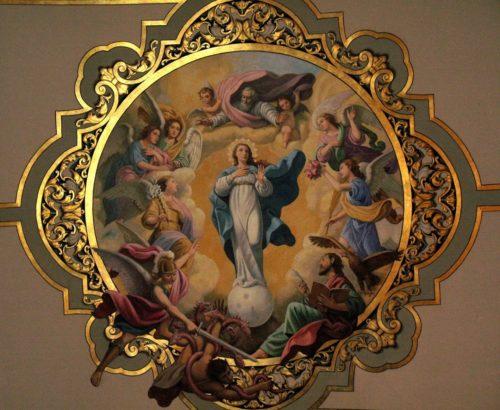 Asuncion de la Virgen en basilica macarena