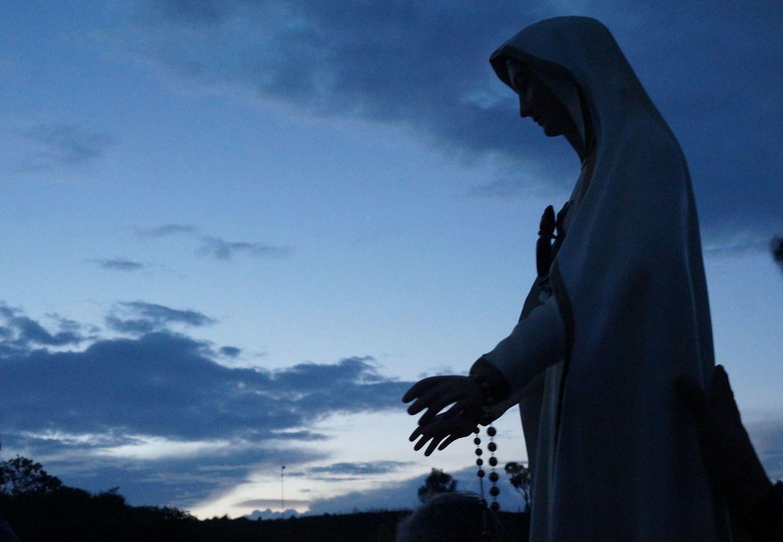 Cómo Liberarse de Tribulaciones Malignas a través de Oraciones de Liberación