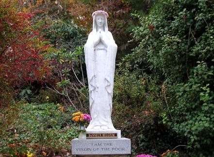 Oraciones a la Virgen de los Pobres de Banneux