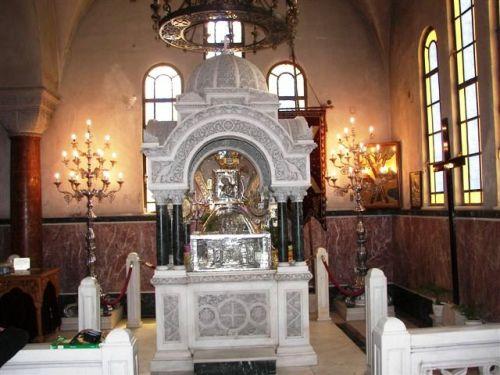 reliquias en altar