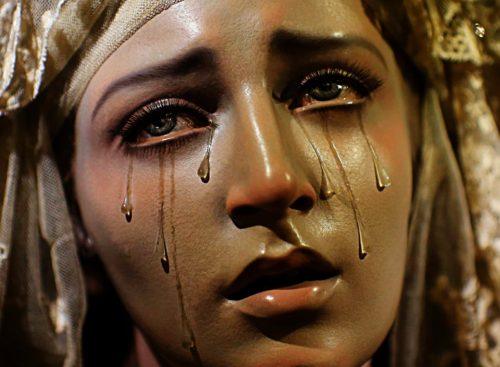 cara de la virgen dolorosa
