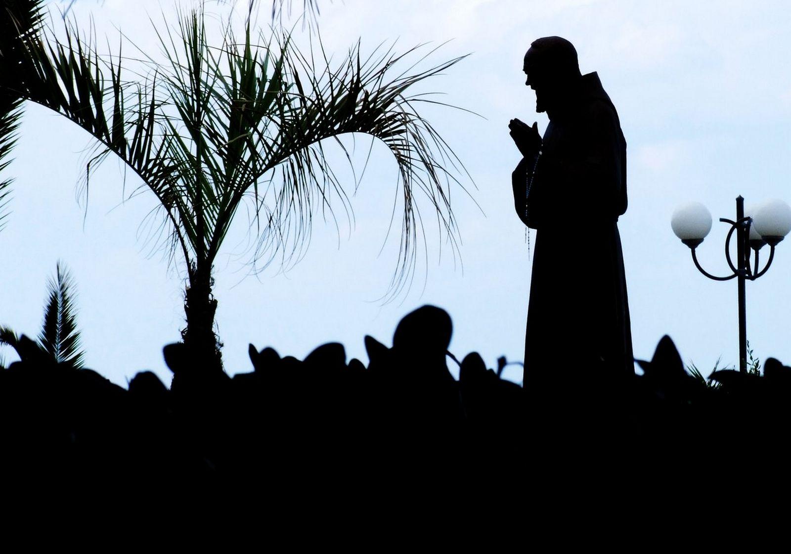 Dios Entregó la Oraciones Más Eficaces de nuestra época al Padre Pío