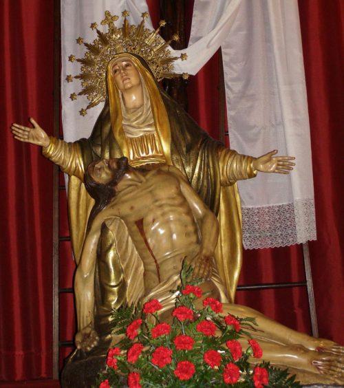 maria con el cuerpo de jesus