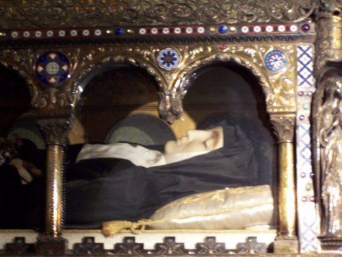 cuerpo incorrupto de santa margarita maria de alacoque