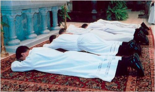 sacerdotes tradicionales
