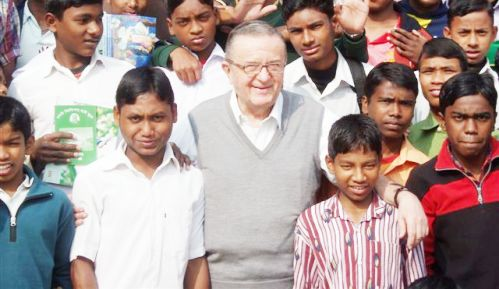 Piero Gheddo en Bangladesh