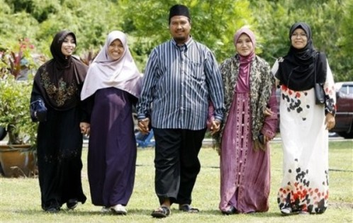 alma center muslim singles Are you looking for the alma center homes for sale browse our homes for sale in wisconsin at re/max.