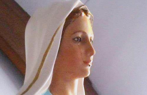 virgen maria que llora en costa de marfil