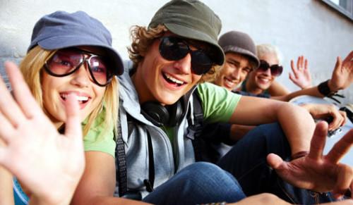jovenes felices