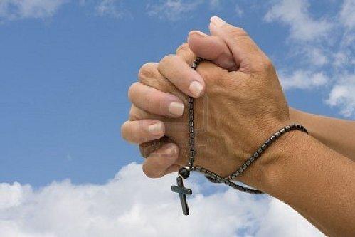 rezar-el-rosario