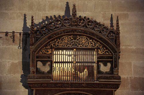 decoracion en la catedral de santo domingo de la calzada sobre el gallo