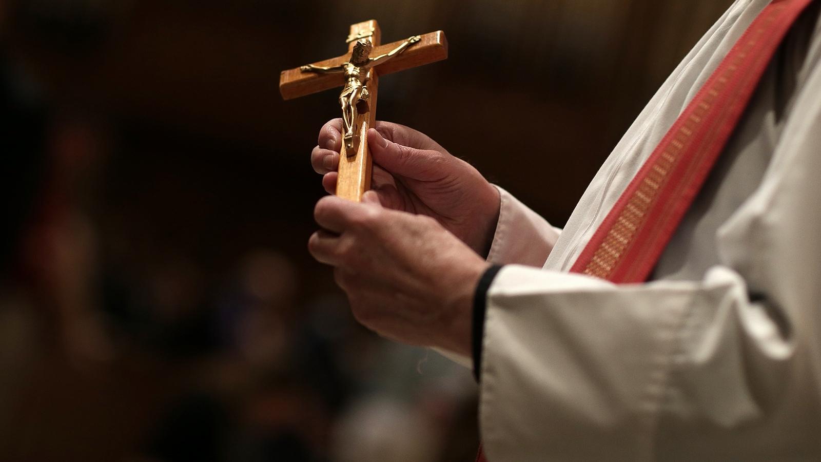 Más Abusos Sexuales de Sacerdotes y la Intimidación Gay en la Iglesia