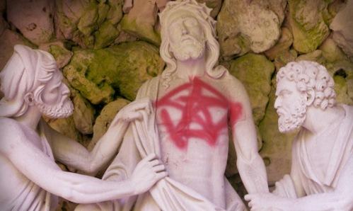 satanismo contra la iglesia