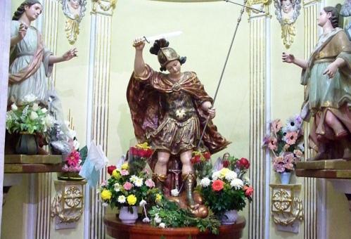 imagen de san miguel arcangel en santuario de mexico