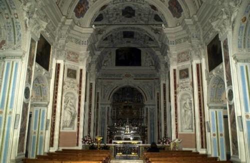interior iglesia stezzano