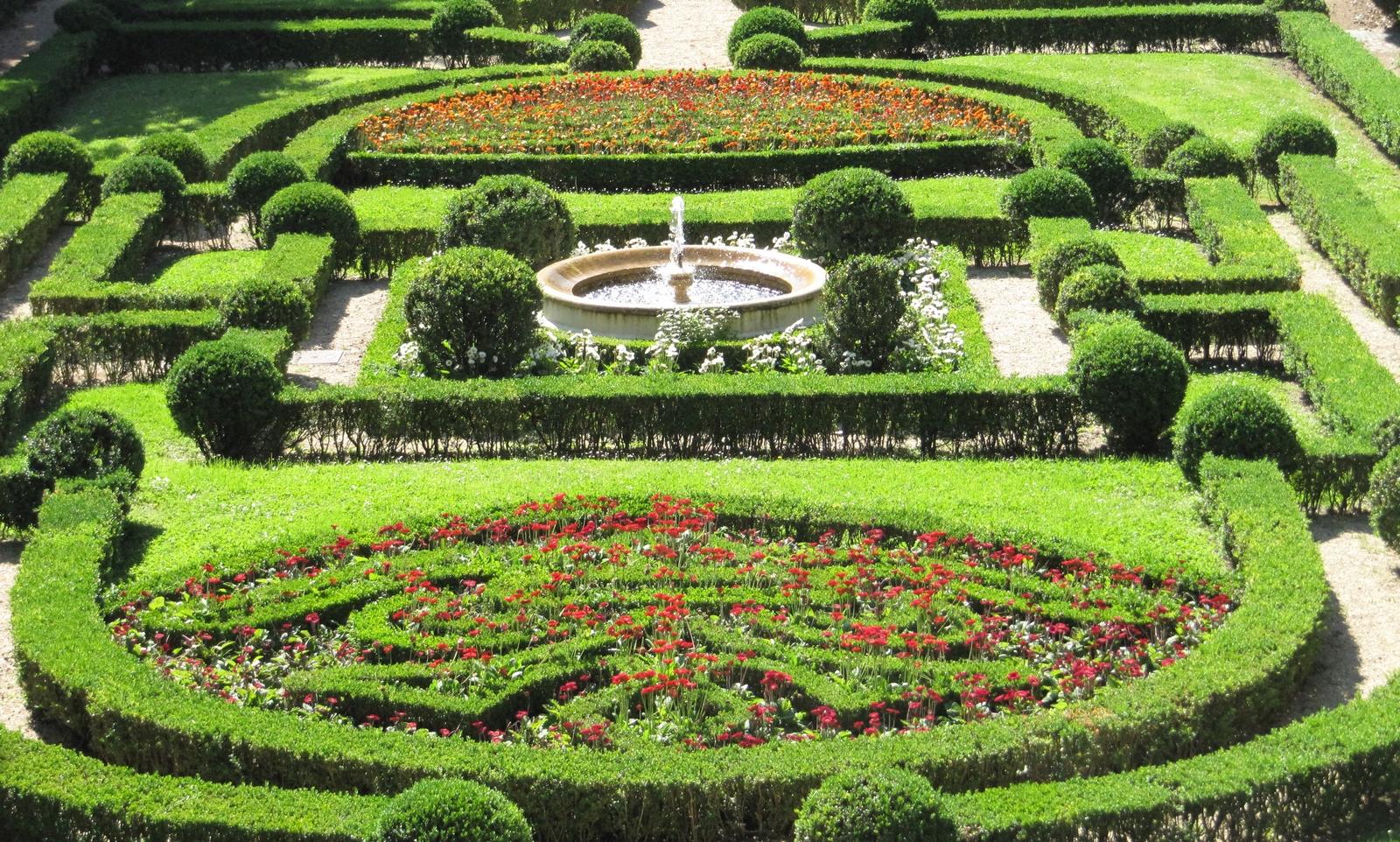 Por favor acomp ame en un paseo por los jardines for Los jardines de la cartuja
