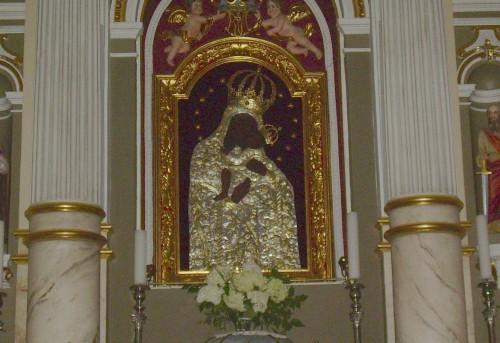 BZN_Zemaiciu_Kalvarija_church_inside_centre_altar_paveikslas