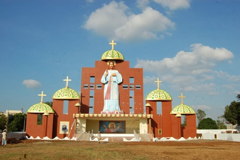 estatua de jesus en la india