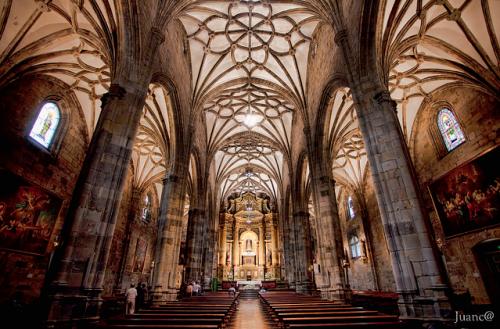 interior basilica de begoña