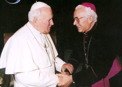 juan pablo ii y obispo pavel Hnilica