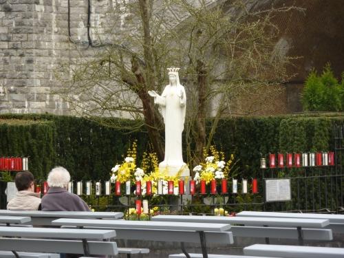 Notre_Dame_de_Beauraing-002