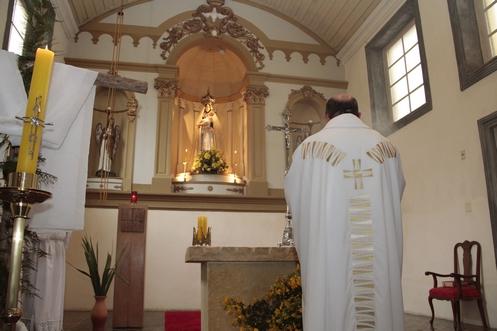 altar de nuestra senora del parto de palhoca