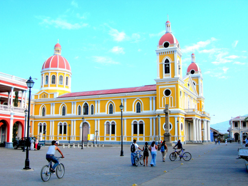 catedral de granada nicaragua