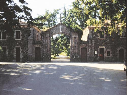 entrada a la abadia de belfontaine