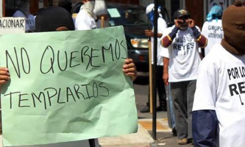 michoacan-manifestacion-caballeros-templarios