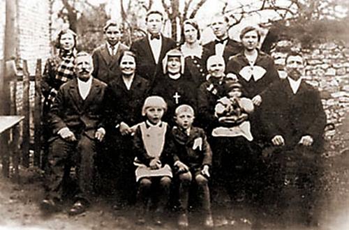 santa faustina kowalska y su familia