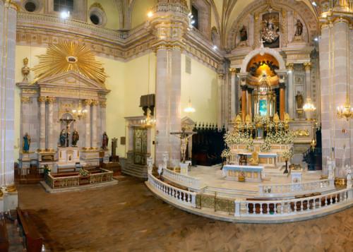 altar basilica san juan de lagos