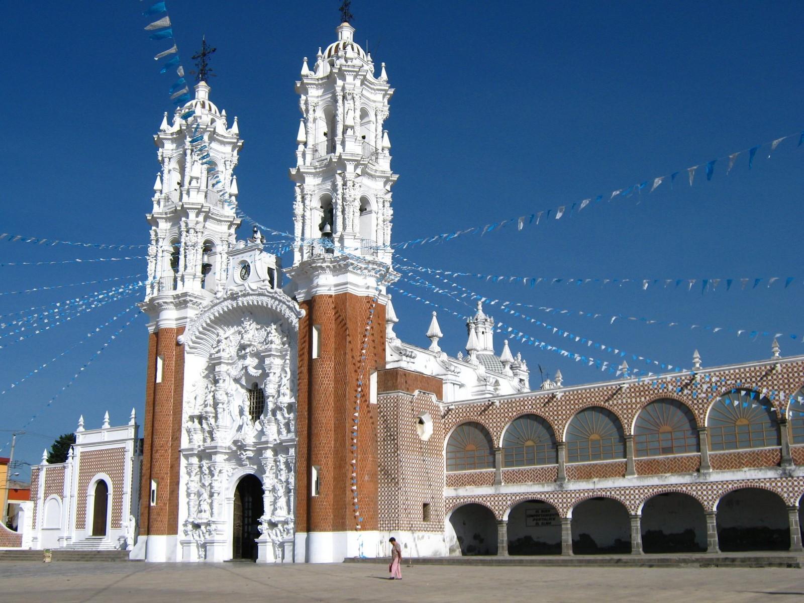 Vista de la fachada del Santuario de la Virgen de Ocotlán