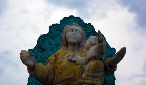 escultura de ns de agua santa