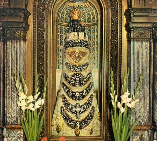 La Milagrosa Aparición De La Verdadera Casa De La Anunciación En Loreto Italia Foros De La Virgen María