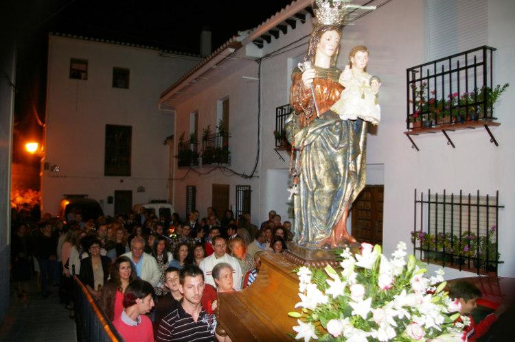 Nuestra Señora del Rosario de Restábal, un Pequeño Pueblo Español, España (27 dic)