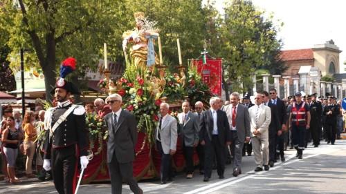 procesion madonna de las flores