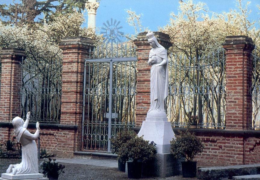 Aparición y Milagro de un Zarzal: Virgen de las Flores de Bra, Italia (29 de dic, 8 de sep)