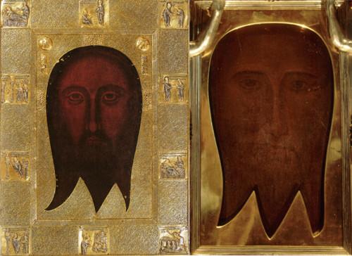 Dos copias medievales tardías de la Imagen de Edesa. La imagen de la izquierda es el Santo Rostro de Génova desde finales del siglo 14, el derecho es el Santo Rostro de San Silvestro