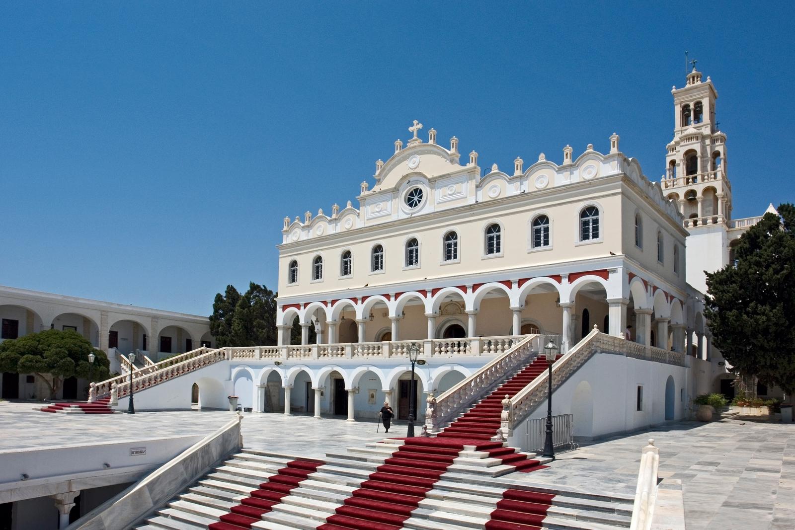 """Panagia Evangelistria de Tinos, la """"Lourdes"""" de Grecia (30 ene, 15 ago)"""