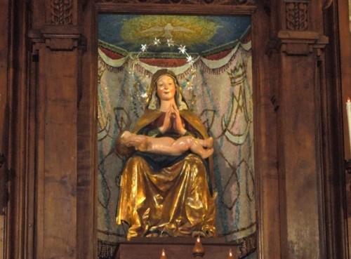 estatua madonna dei lumi