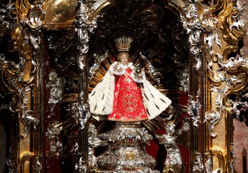estatua original de niño jesus de praga