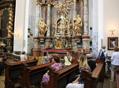 fotos-praga-iglesia-niño-jesus-001