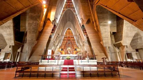 interior basilica de higuey