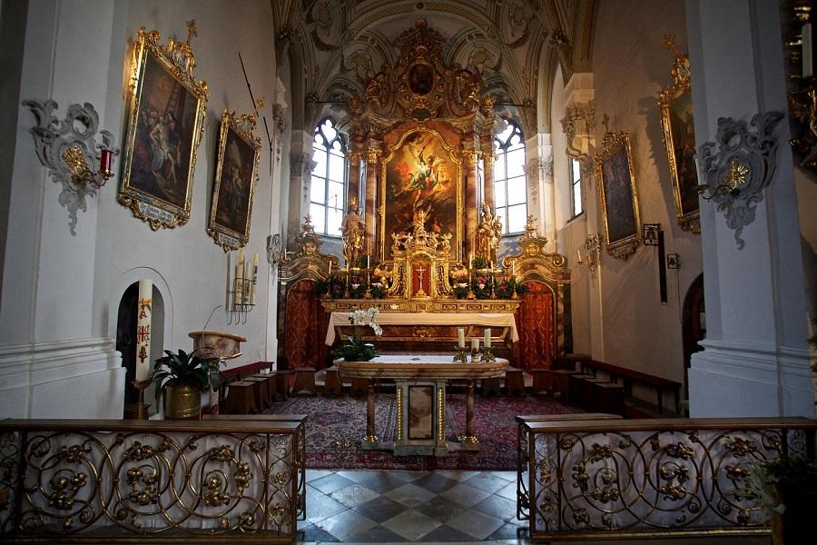 Nuestra Señora de Absam, el Milagro Impreso en un Vidrio, Austria (17 ene, jun)