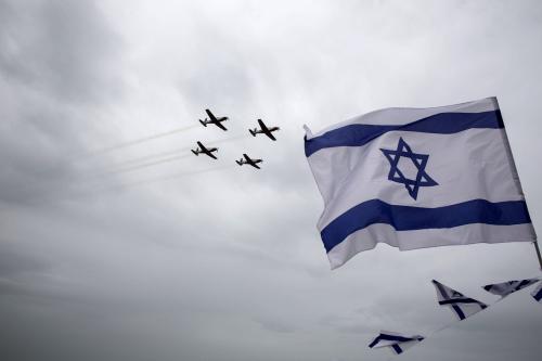 bandera de israel y aviones