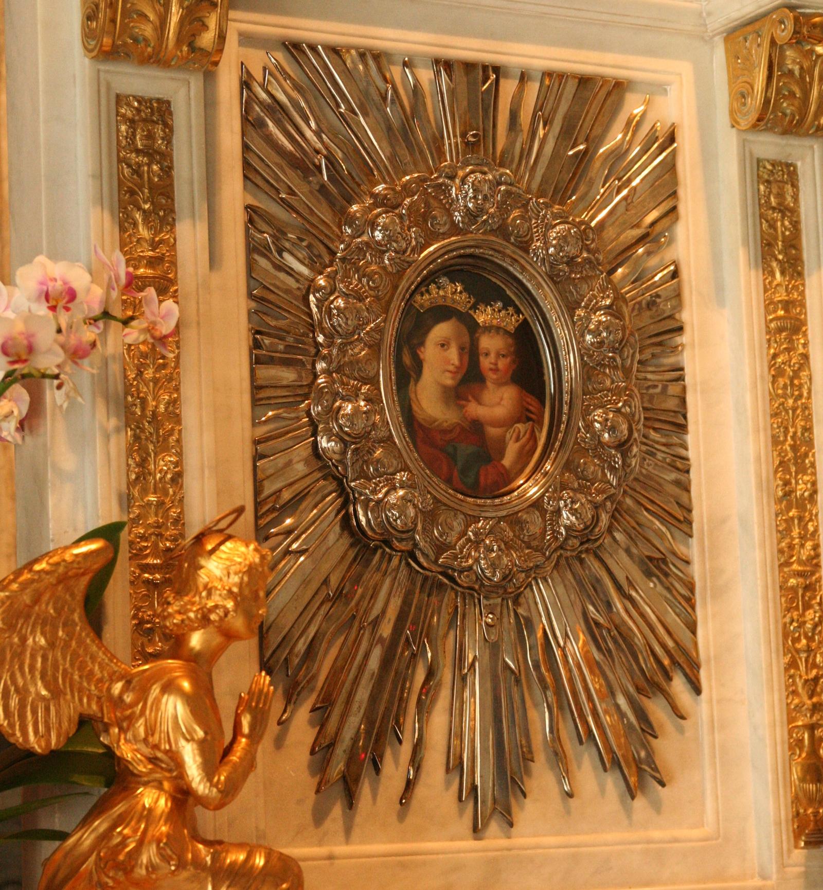 Nuestra Señora de la Confianza, Gracias a quien Contemple la Imagen, Italia (24 feb)