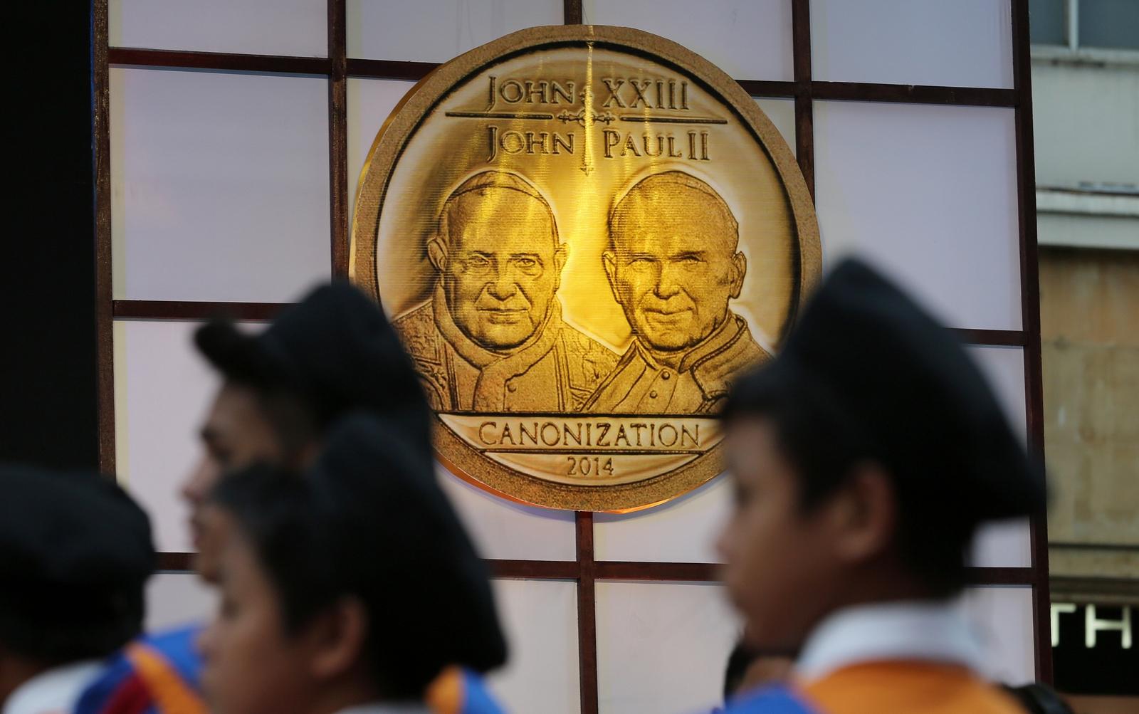 dos papas canonizados juntos
