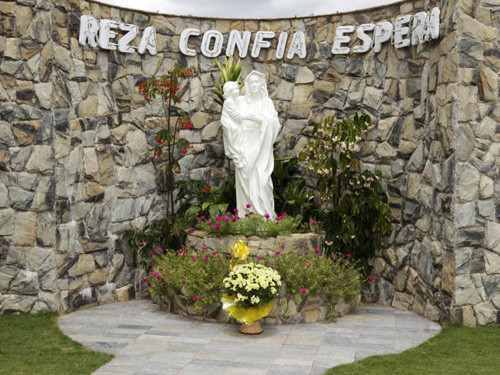 estatua del divino pianto
