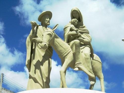estatua exterior ns del destierro