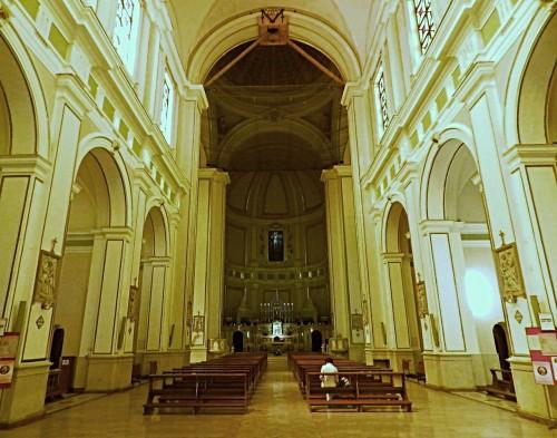 interior de la iglesia de la madonna dei remedi